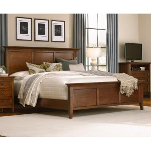 A AmericaQueen Panel Bed