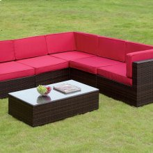 Zendaya Patio Sectional W/ Coffee Table