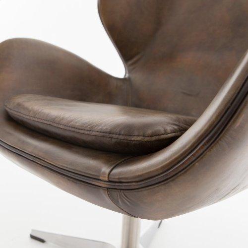 Regent Swivel Chair-old English Espresso