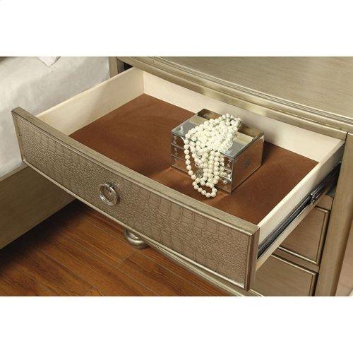 King-Size Nisha Bed
