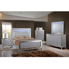 6 PC Bedroom - Queen Bed, Dresser, Lighted Mirror, Nightstand