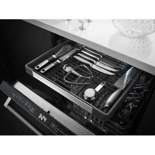 44 dBA Dishwasher with Dynamic Wash Arms and Bottle Wash - Black Stainless Steel with PrintShield™ Finish