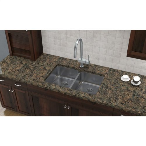 """Elkay Lustertone Classic Stainless Steel 31-1/4"""" x 20"""" x 7-7/8"""", Equal Double Bowl Undermount Sink"""