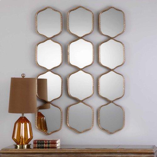 Myriam Mirror
