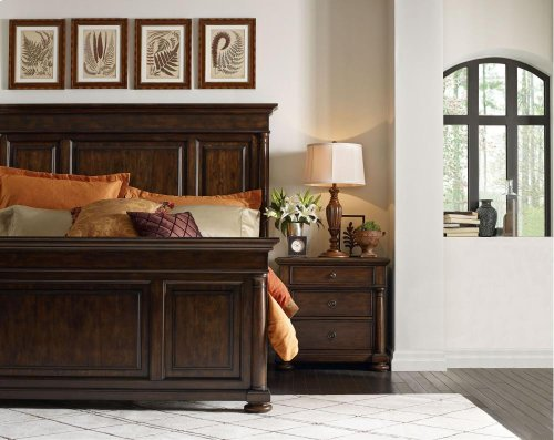 Wheatmore Manor Panel Bed (Cal. King)