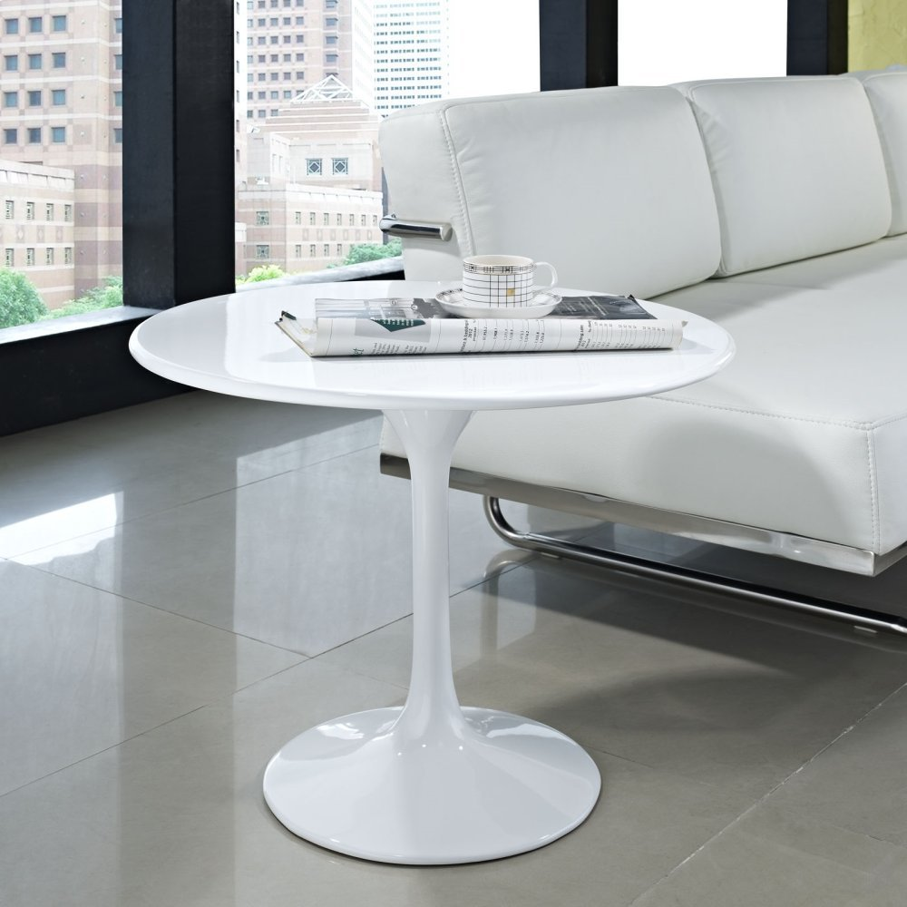 "Lippa 24"" Fiberglass Side Table in White"