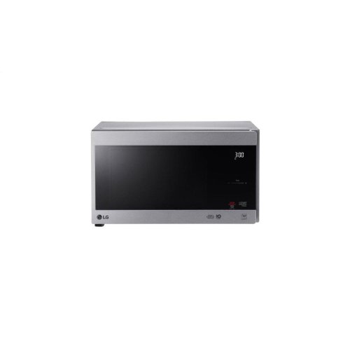 0.9 cu. ft. NeoChef Countertop Microwave with Smart Inverter and EasyClean®
