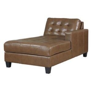 Ashley FurnitureSIGNATURE DESIGN BY ASHLEYBaskove Right-arm Facing Corner Chaise