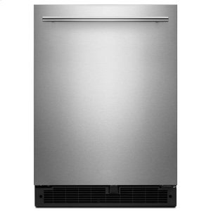 WhirlpoolWhirlpool® 24-inch Wide Undercounter Refrigerator with Towel Bar Handle - 5.1 cu. ft. - Fingerprint Resistant Stainless Steel
