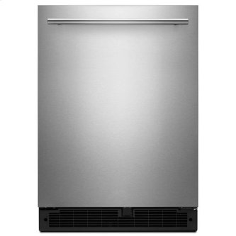 Whirlpool(R) 24-inch Wide Undercounter Refrigerator with Towel Bar Handle - 5.1 cu. ft. - Fingerprint Resistant Stainless Steel