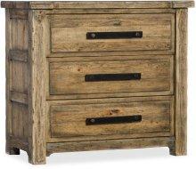 Roslyn County Three-Drawer Nightstand