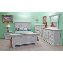 Old White Coliseo Bedroom Group