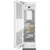 F 2671 Vi - MasterCool™ freezer Integrated IceMaker features separate water and ice dispensers.