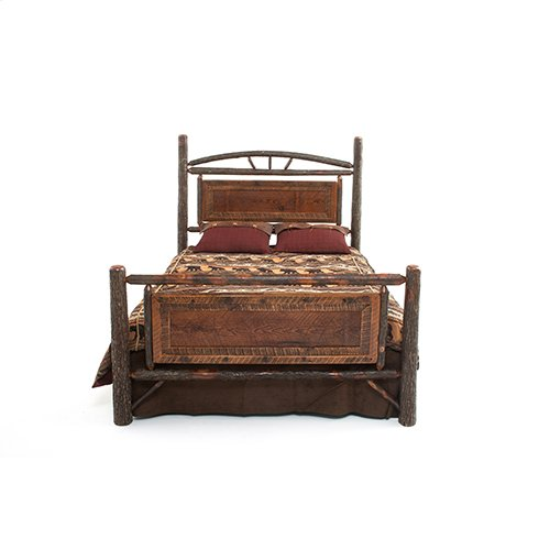 Old Yellowstone - Original Jackson Bed Original Panel - 2465 - Queen Bed (complete)