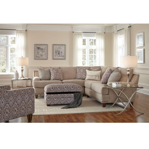 Anna 3pc Sectional w/nails