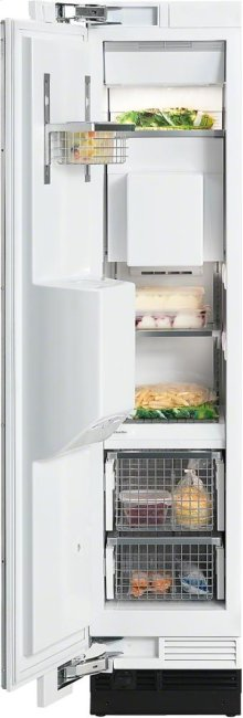 F 1473 Vi MasterCool freezer with individual water and ice cube supply thanks to integrated IceMaker.