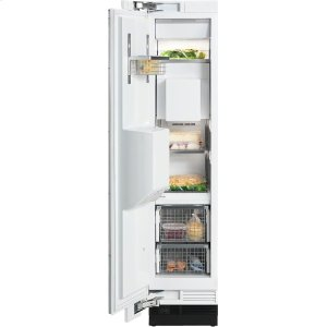 MieleF 1473 SF MasterCool freezer with individual water and ice cube supply thanks to integrated IceMaker.