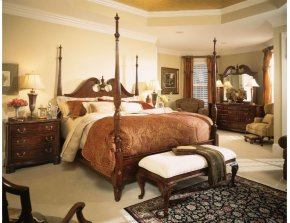 Pediment Poster King Bed - Complete