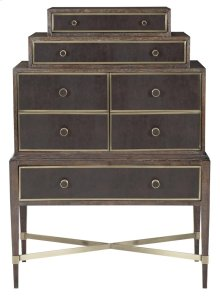 Clarendon Stacked Chest in Arabica (377)
