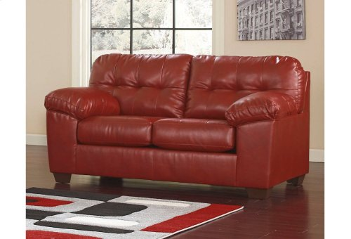Alliston 5 Piece Sofa and Loveseat Room To Go - Sofa, Loveseat, and Tables