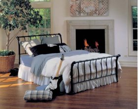 Janis Queen Bed Set