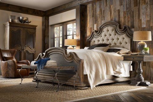 Fair Oaks King Upholstered Bed