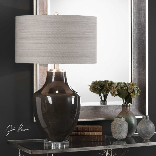 Vrana Table Lamp