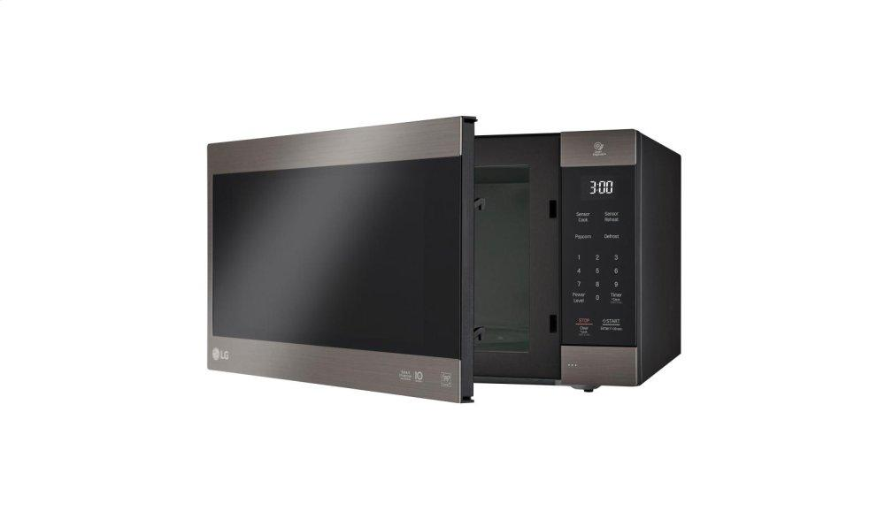 Lg Liances Black Stainless Steel Series 2 0 Cu Ft Neochef Countertop Microwave With