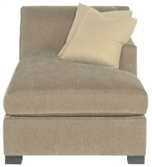 Kelsey Right Arm Chaise in Mocha (751)