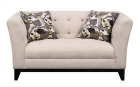 Loveseat Cream W/2 Accent Pillows