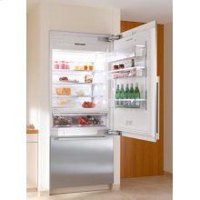 """36"""" Refrigerator-Freezer (Bottom Mount) (Integrated, right-hinge)***FLOOR MODEL CLOSEOUT PRICING***"""