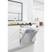 Integrated, Full-size Dishwasher