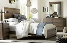 Big Sky by Wendy Bellissimo Panel Bed Complete 5/0 - Queen