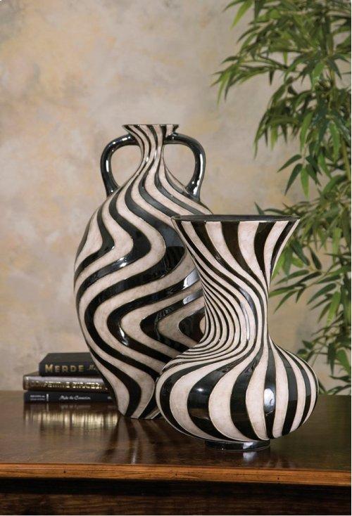 Leza Large Swirl Earthenware Vase