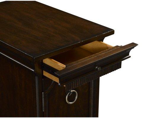 New Charleston Chairside Table