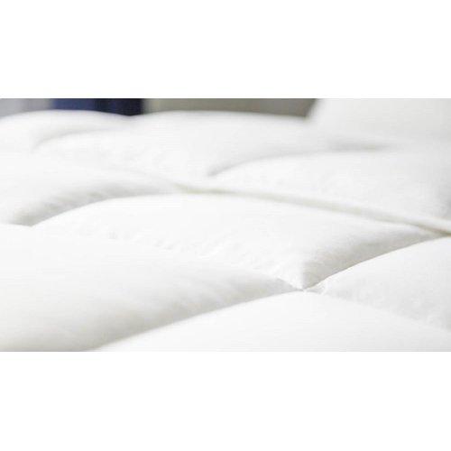 Down Alternative Microfiber Comforter - King