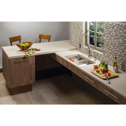 """Elkay Lustertone Classic Stainless Steel 30-3/4"""" x 18-1/2"""" x 4-3/8"""", Equal Double Bowl Undermount ADA Sink"""