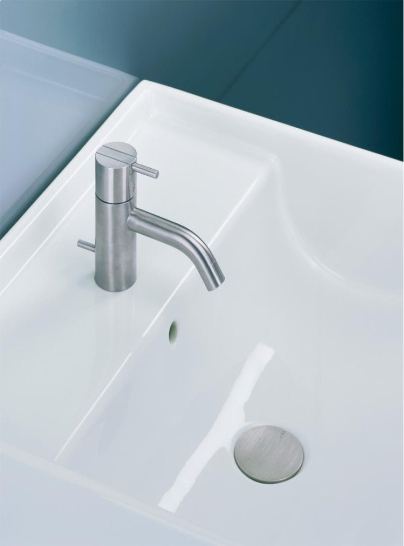 One Handle Mixer With Ceramic Disc Technology Fixed Spout Water Saving Aerator Hidden