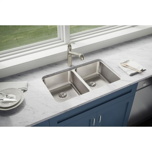 """Elkay Lustertone Classic Stainless Steel 30-3/4"""" x 18-1/2"""" x 7-7/8"""", Equal Double Bowl Undermount Sink"""