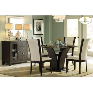 Daisy Round Dining Table