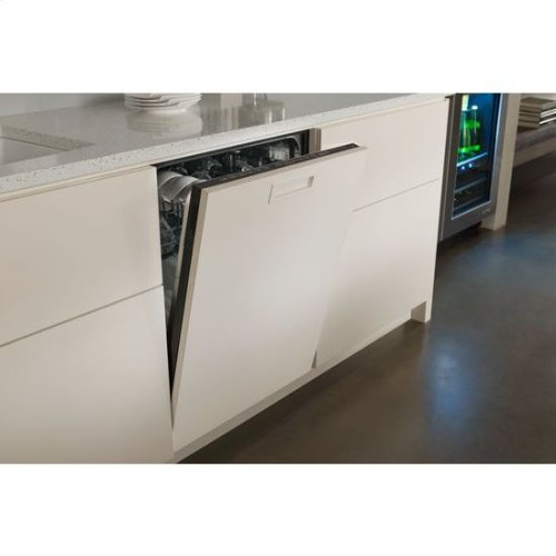 "24"" Under Counter Beverage Center"