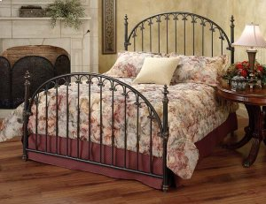 Kirkwell Queen Bed Set