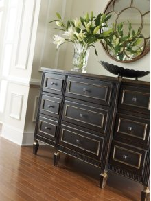 Classic Nine Drawer Chest