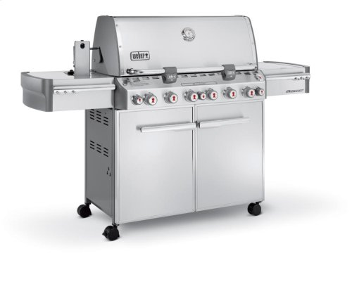 [CLEARANCE] SUMMIT S-670 LP Gas Grill. Clearance stock is sold on a first-come, first-served basis. Please call (717)299-5641 for product condition and availability.