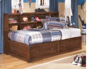 Delburne - Medium Brown 3 Piece Bed Set (Twin) Product Image
