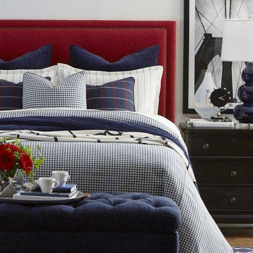 Custom Uph Beds Barcelona Full Bonnet Bed