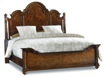 Bedroom Leesburg Queen Poster Bed