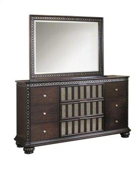 En Vogue Drawer Dresser