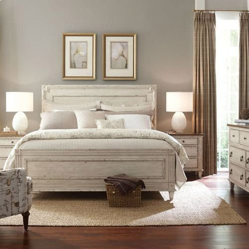 Southbury Panel Queen Bed Complete
