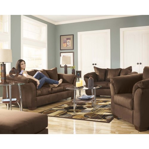 75004 Darcy Cafe Sofa and Loveseat
